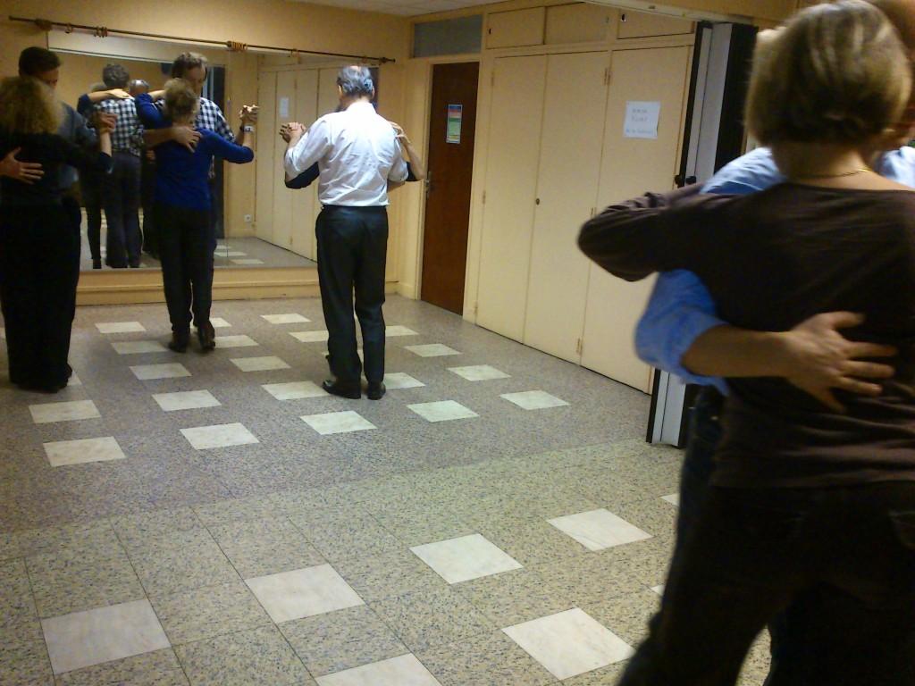 cours tango tous niveaux apprendre danser le tango. Black Bedroom Furniture Sets. Home Design Ideas