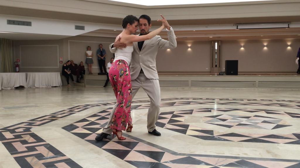 Charlotte Millour et Maximiliano Colussi, Tango